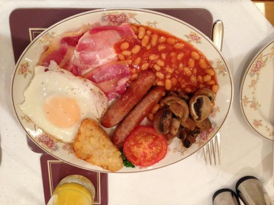 Lingwood Lodge: The full English option. Not for the faint hearted!!!