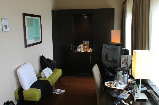 NH Amsterdam Centre: Very nice living room, plenty of space
