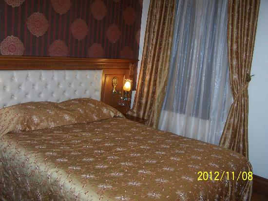 Lausos Hotel: small but nice room