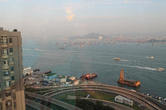 โรงแรมไอแลนด์ แปซิฟิก: View from my side view harbour room