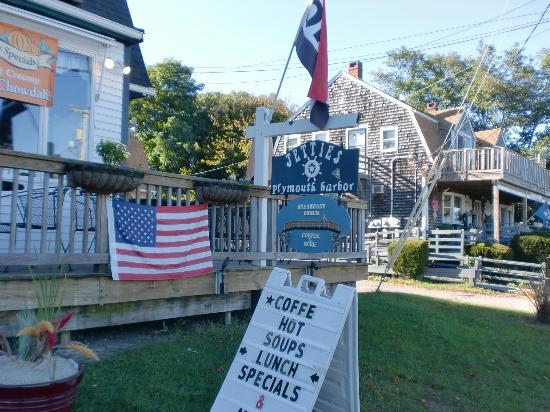 Jetties on Plymouth Harbor: ..ist aber klein, fein und gemütlich