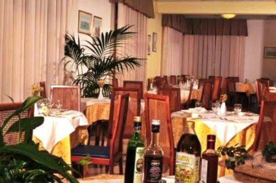 Hotel Al Mare : .