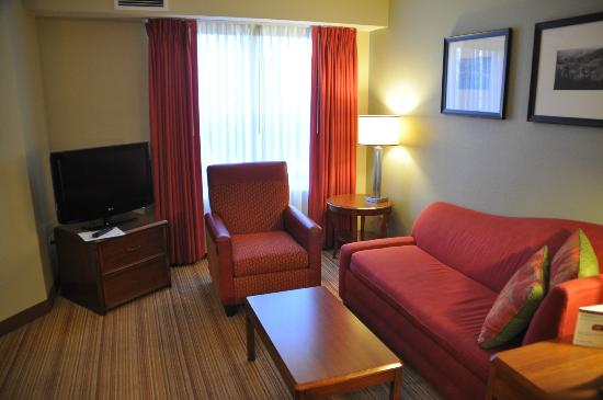 Residence Inn Fort Collins: Living room area