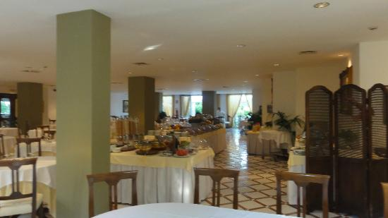 Alpha Hotel: Salle du petit déjeuner