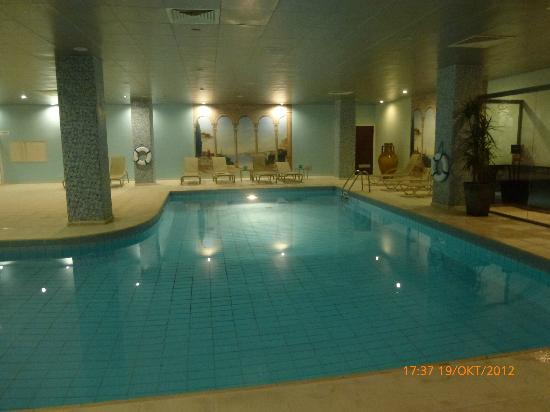 Hotel St. George: indoor swimming pool