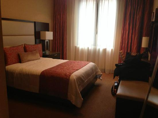 The Pearl Hotel: The bed was so comfy!