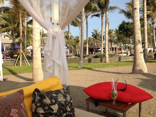 "W Retreat & Spa Bali - Seminyak: Beach ""tent"""