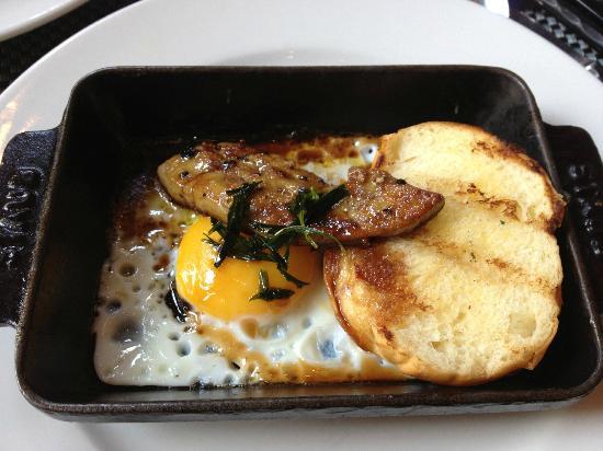 دبليو ريتريت آند سبا بالي سيمينياك: Seared pate from breakfast buffet