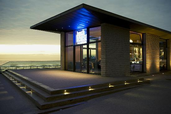 Beach House Bistro & Bar