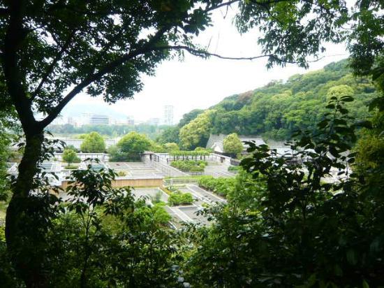 Matsuyama Castle Ninomaru Historical Garden: 全景
