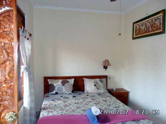 Jangkrik Homestay: Again new, sound isolating, ceiling in upstairs rooms