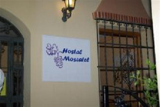 Hostal Moscatel: Entrada