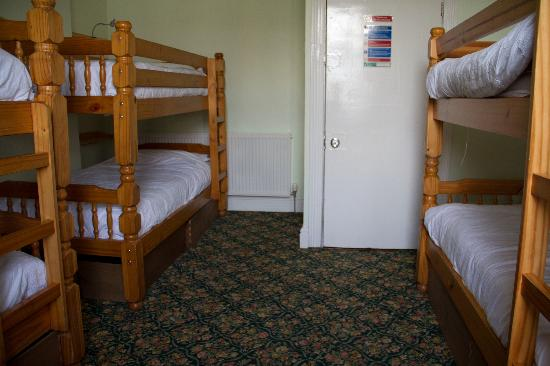 LLandudno Hostel: 6 bed private