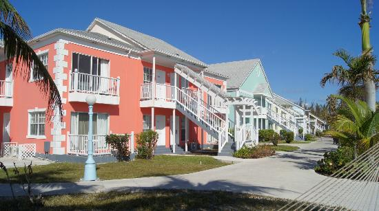 Sandyport Beach Resort: Hotel's buildings
