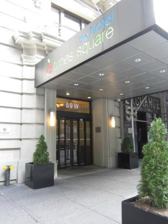 The Hotel at Times Square: The Hotel's entrance