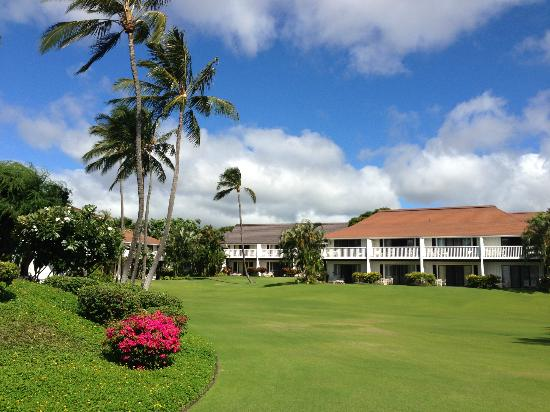 Kiahuna Plantation Resort: The Grounds