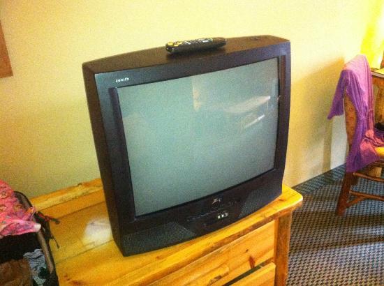 Great Wolf Lodge: Standard Def TV?