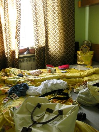 Acme Hotel : one of the bedrooms, sorry for the mess