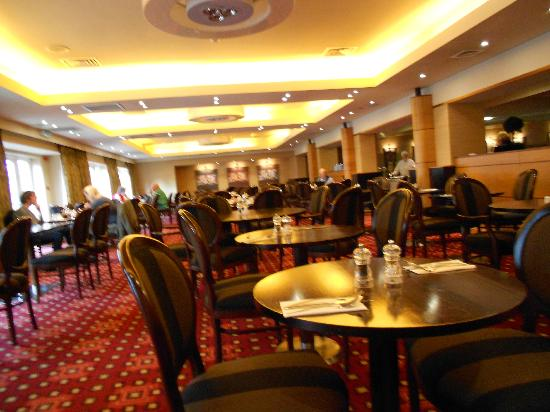 The Park Royal: Park Royal dining room