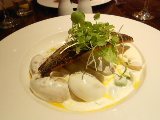 The Park Royal: Sea Bream at restaurant was disappointing