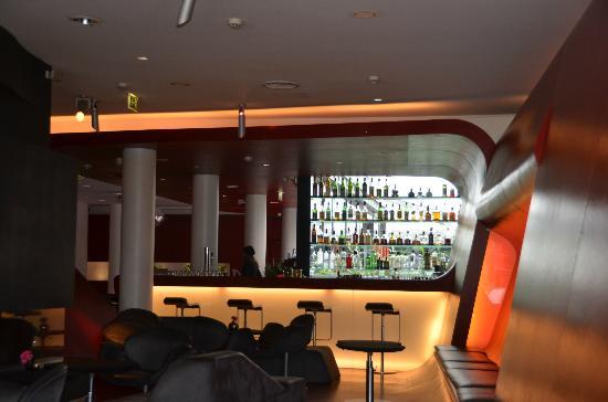 Hotel Q!: Bar area