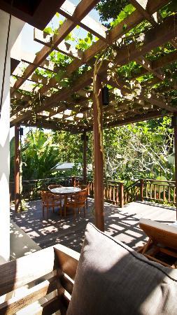 COMO Uma Ubud: Deck by the main pool