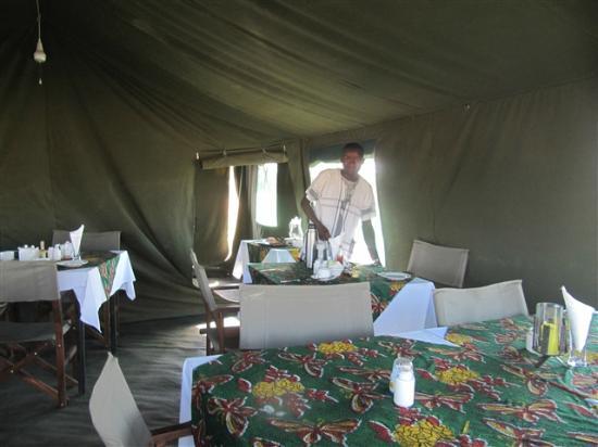 Serengeti Halisi Camp: Dining Tent