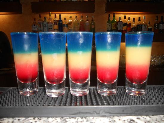 TRS Yucatan by Palladium: Rainbow shot at the Royal bar