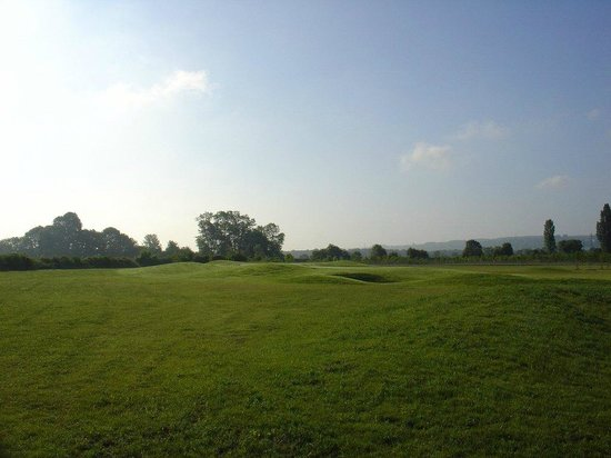 ‪‪Golf De Gaillon‬: vue trou N°5 à partir du rough