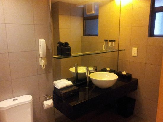 Kew Green Hotel Wanchai Hong Kong: Bathroom