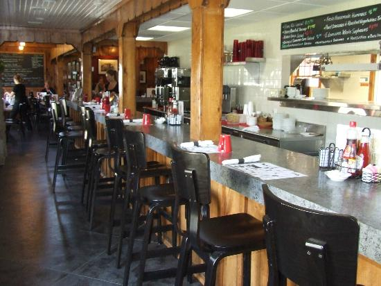 Nottingham Inn Kitchen & Creamery: Have a seat at the counter!
