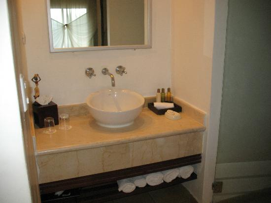 Dreams Palm Beach Punta Cana: bathroom in room