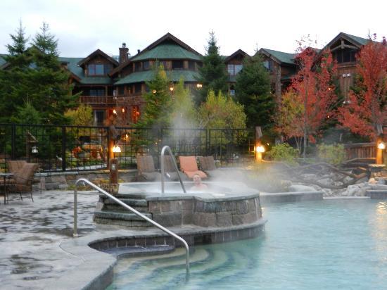 The Whiteface Lodge : Área das piscinas e jacuzzis