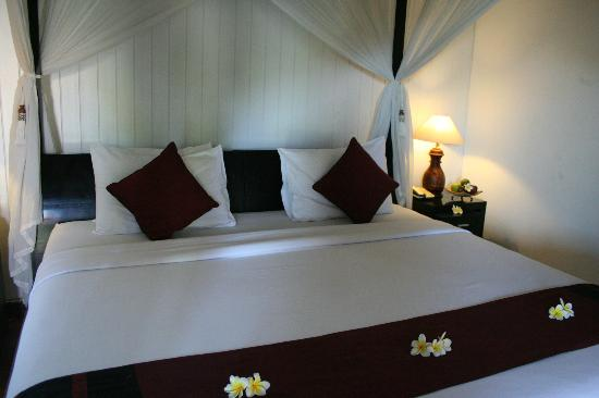 Bali Nyuh Gading Villa: Your very firm bed