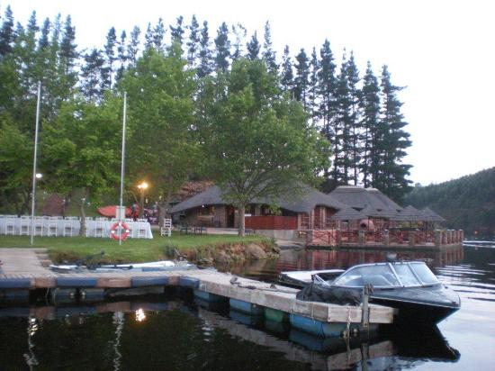 Mofam River Lodge: Club House