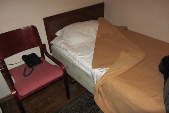 Hotel Almaty: Für einen Nachttisch hat es nicht gereicht