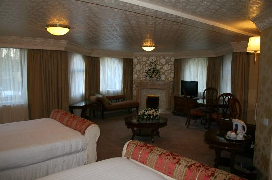 Bredbury Hall Hotel: lovely bedroom