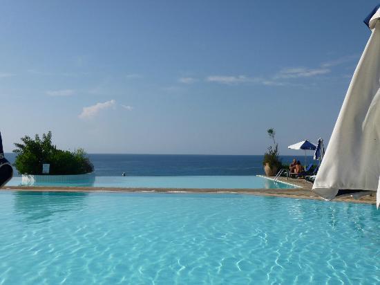 Atlantica Sungarden Beach: Infinity Pool