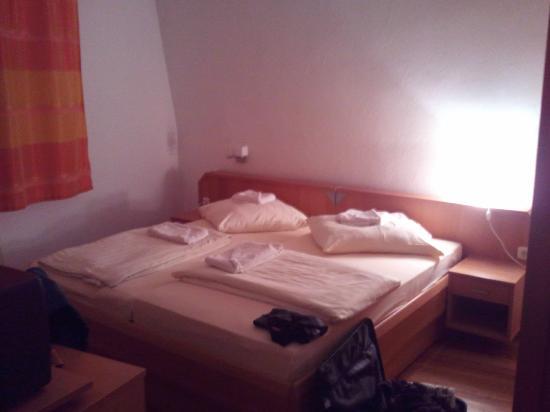 Grüner Baum: Bedroom