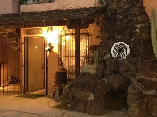 BeDillon`s Restaurant & Cactus Garden : the museum