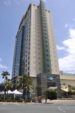 Watermark Hotel & Spa Gold Coast: Hotel outside
