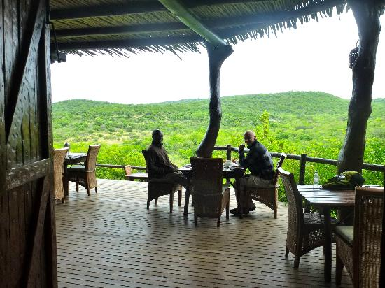 andBeyond Phinda Rock Lodge: Outside dining, but lodge indoors also sooo nice!