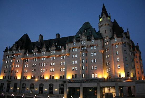 Fairmont Chateau Laurier: The Chateau at night