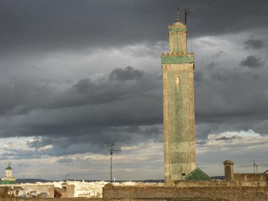 Hotel & Spa Riad Dar Bensouda: Minaret (depuis la terrasse)