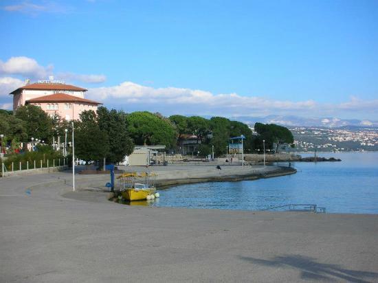 Amadria Park Hotel Milenij: Hotel from the Promenade