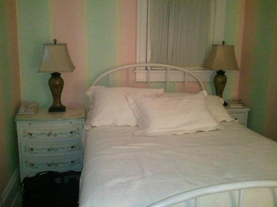 The Spencer Hotel and Spa: This is a double bed. The room's width is from end to end as you can see.
