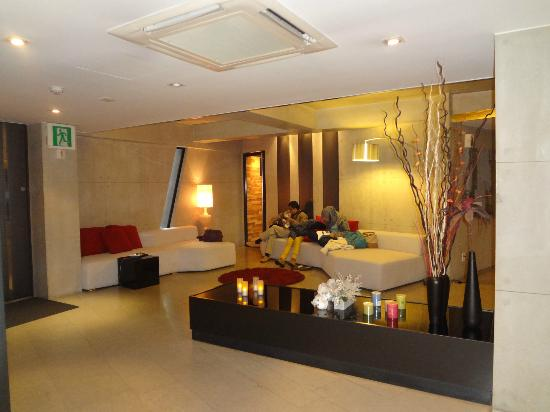 Hotel Tria: lobby/waiting area