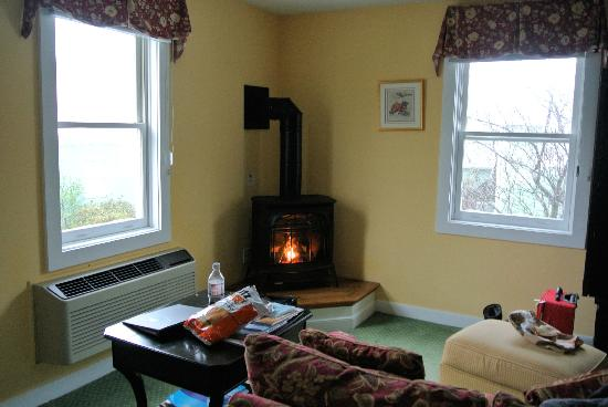 Five Gables Inn & Spa: Fire place