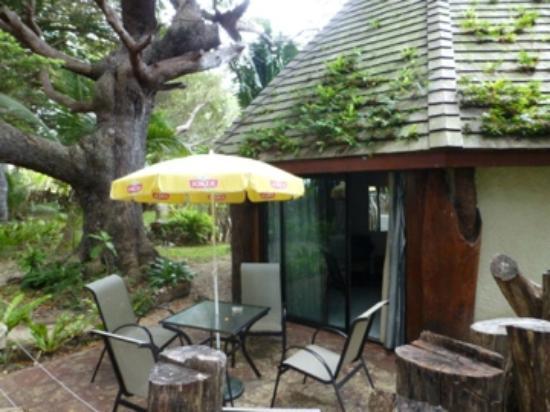 Hotel Kou-Bugny: Terrasse du bungalow