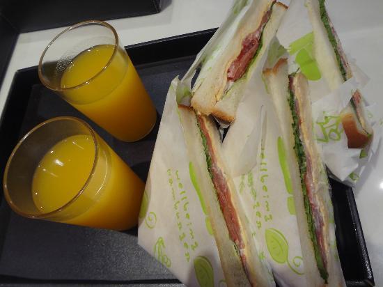 Hotel Tria: vegetarian sandwich in the room
